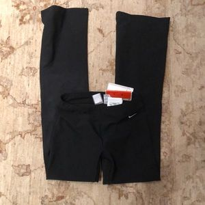Nike flare fit dry wide leg workout pant NWT